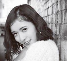 Mayu Matsuoka 松岡茉優 Face Drawing Reference, Smile Images, World Most Beautiful Woman, Happy Girls, Actors & Actresses, Girl Fashion, Idol, Portrait, Pretty
