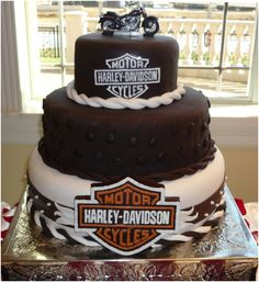 3 Terrific Clever Tips: Harley Davidson Clothing Fun harley davidson tattoos custom paint.Harley Davidson Home Decor Beds harley davidson svg clip art.Harley Davidson Cake For Kids. Torta Harley Davidson, Harley Davidson Custom, Harley Davidson Birthday, Cupcakes, Cupcake Cakes, Fondant Cakes, Mini Cakes, Make Birthday Cake, Happy Birthday