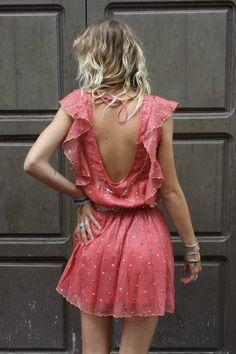quelle est la marque de cette robe ?