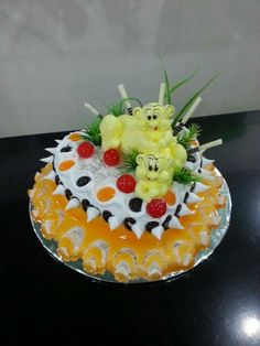 Foto Pastel, Cream Flowers, Pretty Cakes, Birthday Cake, Happy Birthday, Minis, Cake Decorating, Food And Drink, Pudding