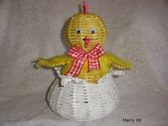 . Newspaper Crafts, Christmas Ornaments, Decoration, Holiday Decor, Home Decor, Recycling, Hampers, Stretches, Chicken