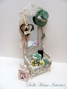 Shabby Chic Hall Stand with Accessories