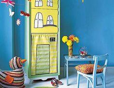 Un armario muy casero  Sorprende a tu hijo con un mueble completamente renovado en forma de casita. En él, además de guardar su ropa y sus juguetes, imaginará mil aventuras.