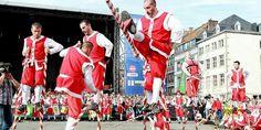 Combat de l'échasse d'or 2015. Strijd voor de gouden stelt 2015. Fight for the golden stilt 2015. Namur, BELGIUM.