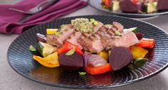 Sometimes the easiest meals are the best. This Sirloin Steak with Roasted Vegetables recipe is courtesy of Better Homes and Gardens. Fall Recipes, Dinner Recipes, Sirloin Steaks, Oven Roast, Serving Plates, Roasted Vegetables, Beetroot, Vegetable Recipes, The Best