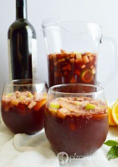 The Red Tea Detox is a new rapid weight loss system that can help you lose several pounds of pure body fat in just 14 days! Sangria Recipes, Cocktail Recipes, Cocktails, Puerto Rican Sangria Recipe, Mexican Food Recipes, Healthy Recipes, Le Diner, Wine Drinks, Beverages