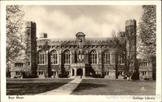 The early collegiate gothic buildings of College - Thomas Great Hall (and library). I went to school here in the Bryn Mawr College, Gothic Buildings, College Library, Photo Postcards, Colleges, Back In The Day, Mistress, Pennsylvania, 1980s