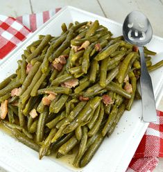 Southern Style Green Bean. Cooked low and slow to create a meltingly tender green bean that is beyond delicious. Of course the bacon is a huge yummy bonus! Veggie Dishes, Vegetable Recipes, Nutrition Education, Health And Nutrition, Side Dish Recipes, Dinner Recipes, Southern Style Green Beans, Thanksgiving Recipes, Thanksgiving 2017