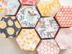 the honey pot quilt – free quilt pattern + die-cut hexagon kits available!