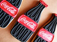 For a party with a twist, why not base it on your favourite cola? Check out our Coca-Cola Party Ideas for a fun and bubbly way to celebrate your Birthday. Fancy Cookies, Iced Cookies, Cut Out Cookies, Cute Cookies, Royal Icing Cookies, Cookies Et Biscuits, Cupcake Cookies, Sugar Cookies, Basic Cookies