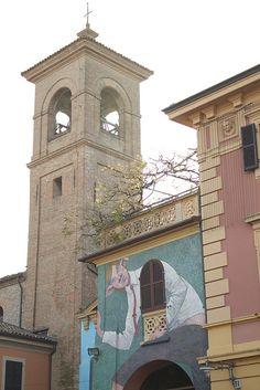 Dozza, Muri dipinti by Turismo Emilia Romagna, via Flickr