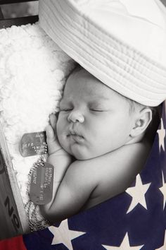 New Born Baby Photography Picture Description Military Newborn Picture. So precious, except our baby would have 3 different caps(Marines, Navy and Air Newborn Pictures, Maternity Pictures, Baby Photos, Newborn Pics, Military Pregnancy, Military Deployment, Navy Military, Military Baby Pictures, Steve Jobs