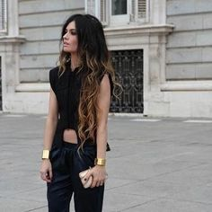 Love the outfit, gold cuffs, blk nails and ombré hair! Ombré Hair, Her Hair, Wavy Hair, Looks Style, Style Me, Baggy Pants, Look 2015, Pretty Hairstyles, Passion For Fashion