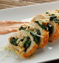 Mushroom Stuffed Chicken Breast (Great for all phases - Ideal Protein) chicken breast (butterflied) ½ tablespoon paprika 1 teaspoon white pepper ½ tablespoon olive oil ½ cup spinach (wilted) ½ cup mushrooms (sautéed) Mushroom Stuffed Chicken Breast, Mushroom Chicken, Spinach Stuffed Chicken, Stuffed Mushrooms, I Love Food, Good Food, Yummy Food, Tasty, Clean Eating