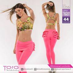 REF:1216 #Leggings en color coral, Top estampado #ToraTraining #EntrenaConEstilo #Fitness #FitnessFashion #modadeportiva #gymwear