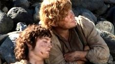 I love this scene where Frodo falls asleep on Sam's shoulder, it really shows the intimacy and love between them.