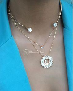 Um diferencial que você só encontra aqui <3 Olha que lindeza essa composição! Se apaixonou também? Compartilha com uma amiga especial <3… Crystal Necklace, Silver Earrings, Girls Necklaces, Jewerly, Women Jewelry, Chain, Crystals, Feminine Style, Bracelets