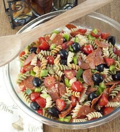 Check out this Classic Italian Pasta Salad for a Memorial day or of July side dish. The post Classic Italian Pasta Salad for a Memorial day or of July side dish…. appeared first on 2019 Recipes . Summer Recipes, New Recipes, Dinner Recipes, Cooking Recipes, Favorite Recipes, Healthy Recipes, Potluck Recipes, Potluck Dishes, Healthy Food