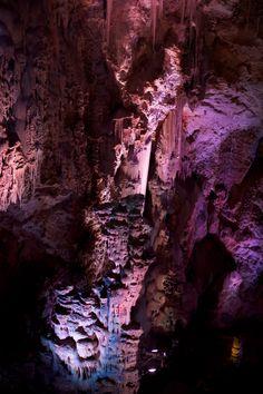 Cuevas de Canalobre. Busot (Alicante) Artículo relacionado en: vipalicante.com/home.aspx?B=5 #Alicante