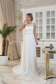 Jednoduché svadobné šaty s ľahkou padavou sukňou zdobené opaskom Priateľ e5bccd2ce4a