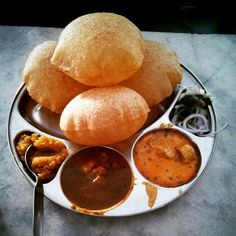 Puris and breakfast