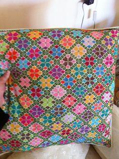 Cross Stitch Charts, Cross Stitch Designs, Cross Stitch Patterns, Crochet Patterns, Hand Embroidery Patterns Flowers, Embroidery Fabric, Cross Stitching, Cross Stitch Embroidery, Cross Stitch Geometric