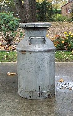 vintage milk cans - Google Search- just got one of these......now to decide what to do with it/where to put it!