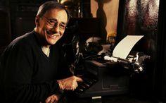 Il premio Nobel per la Letteratura potrebbe essere consegnato, quest'anno, a un cantautore,   http://tuttacronaca.wordpress.com/2013/09/21/la-musica-irrompe-al-nobel-per-la-letteratura-roberto-vecchioni-tra-i-candidati/