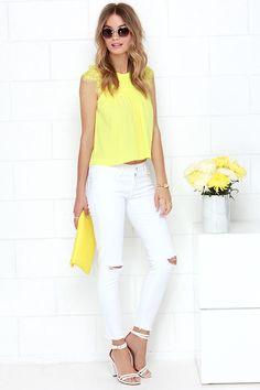 Tarta de limón amarillo Encaje Babydoll Top en Lulus.com!
