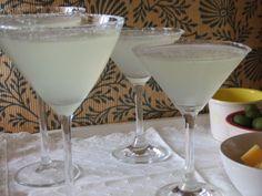 Margarita de licor de manzana Ver receta: http://www.mis-recetas.org/recetas/show/63291-margarita-de-licor-de-manzana