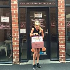 This is @ptinmypocket collecting her corporate custom cupcakes on her way to a [wait for it] ... TRIATHLON! T'was a pleasure doing business with you Colette! Highly recommend the #ptinmypocket app guys! It's just $5, & a pretty incredible workout! #thecup