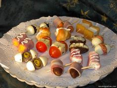 Aperitivos Appetizer Buffet, Appetizers, Salad Recipes, Snack Recipes, Snacks, Luau Party, Canapes, Catering, Side Dishes