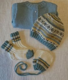 Bonnet, jaquette et gants : Phildar