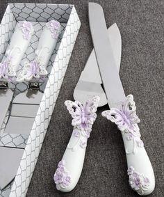 Butterfly Design Cake Knife Set ~ Explore more DIY wedding ideas, how to choose a wedding dress and the best honeymoon destinations on www.mrspurplerose.com
