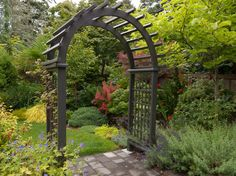 Arbors are great architectural structures, mostly used in garden patio landscaping, garden entrance arbors are very nice to view and really create a charming patio sitting ideas. There are plenty of designs and ideas for garden entrance arbors, woode Garden Entrance, Garden Arbor, Garden Trellis, Garden Gates, Garden Landscaping, Garden Arches, Lush Garden, Diy Pergola, Pergola Shade