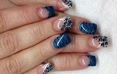Diseños de uñas con Gel, diseño uñas de gel animal print.  Únete al CLUB, síguenos! #uñasdemoda #nailsdesign #uñasconbrillos