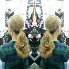 @maristellago @michaelkors #hair #cabello #hairdresser #hairstylist #estilista #peluquero #ponytail #cola #Panama #pty #picoftheday #mirrorphoto #multiplaza #axel04