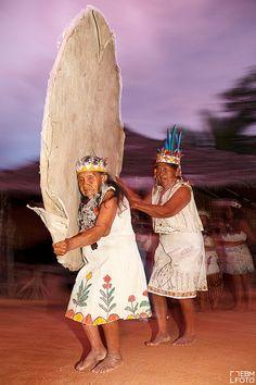 Danza de la tribu Ticuna. Amazonas. #Colombia @Directorio Turístico #SomosTurismo by ebmfoto.com