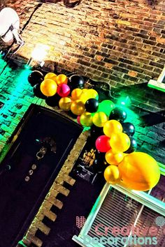 Air filled balloons displays from - Creative Decorations Balloon Display, Balloon Decorations, Balloon Designs, Helium Balloons, Creative Decor, Balloon Centerpieces
