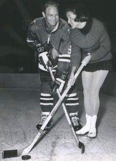 Bobby Hull, Goalie Mask, Sports Figures, Chicago Blackhawks, Nhl, 1930s, Hockey, Maps, Photographs