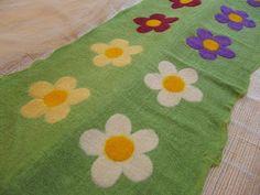 Felted House: Felt Flower Coasters