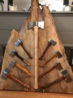 Thats a whole lot of axe Knives And Tools, Knives And Swords, Knife Display Case, Throwing Axe, Axe Handle, Beil, Knife Stand, Axe Head, Cool Tools
