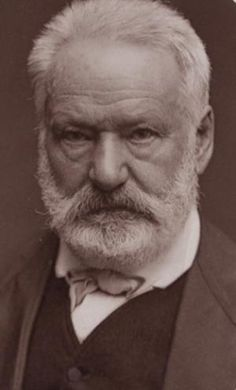 """""""I veri grandi scrittori sono quelli il cui pensiero occupa tutti gli angoli e le pieghe del loro stile"""" (Victor Hugo)"""