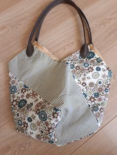 Longchamp, Tote Bag, Bags, Fashion, Handbags, Moda, Fashion Styles, Totes, Fashion Illustrations