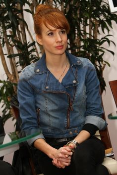 Tana Pauhofova Natural Redhead, Red Riding Hood, Little Red, Dyed Hair, Redheads, Purple, Womens Fashion, Girls, Beautiful