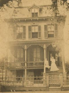 """""""If Old houses could talk, I would sit and listen to their stories."""" Old houses, especially Victorian-style town houses Victorian Photos, Antique Photos, Vintage Pictures, Vintage Photographs, Old Pictures, Victorian Era, Vintage Images, Old Photos, Victorian Houses"""