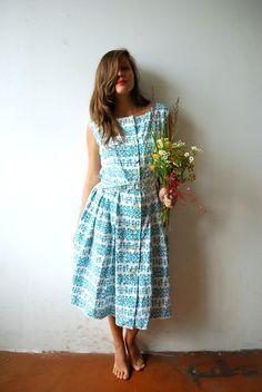 Vintage Kleid mit weitem Rock // Vintage dress with wide skirt by OLENKA-vintage via DaWanda.com
