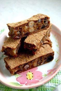 크리스마스 선물준비로 대량생산이 필요할때 쉽고 빠르게~ 영양 모듬 LA찹쌀떡... 어린이집 선물, 유치원... Spicy Recipes, Cooking Recipes, Chocolate Pies, Asian Desserts, Japanese Sweets, Rice Cakes, Biscuit Cookies, Korean Food, Cake Decorating