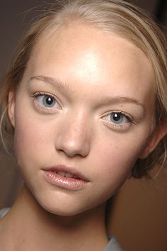 SPRING 2006 READY-TO-WEAR Roland Mouret Gemma Ward. Soft Makeup, Eye Makeup, Next Brand, Gemma Ward, Face L, Gibson Girl, Sexy Jeans, Roland Mouret, Beauty Women