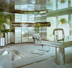 From the 1973 Bloomingdale's Book of Home Decorating #decoração #design #sala #room #arquitetura #architecture
